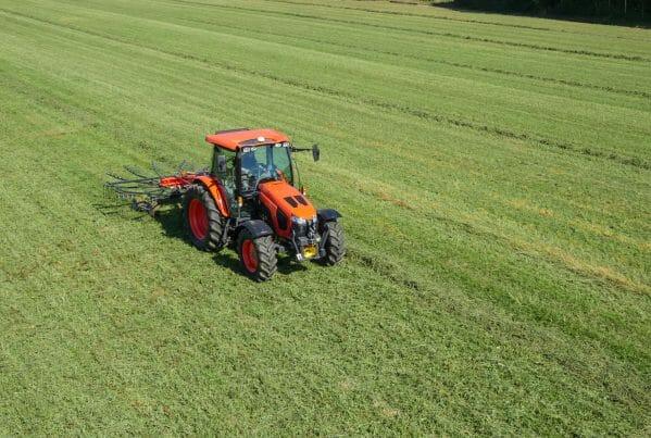 Kubota M5002 Rake Grass Front EG Coles